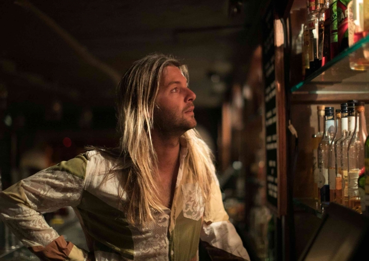 Keith Harkin with guest at the Artesian